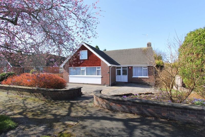 4 Bedrooms Detached House for sale in Rossall Avenue, Westlands