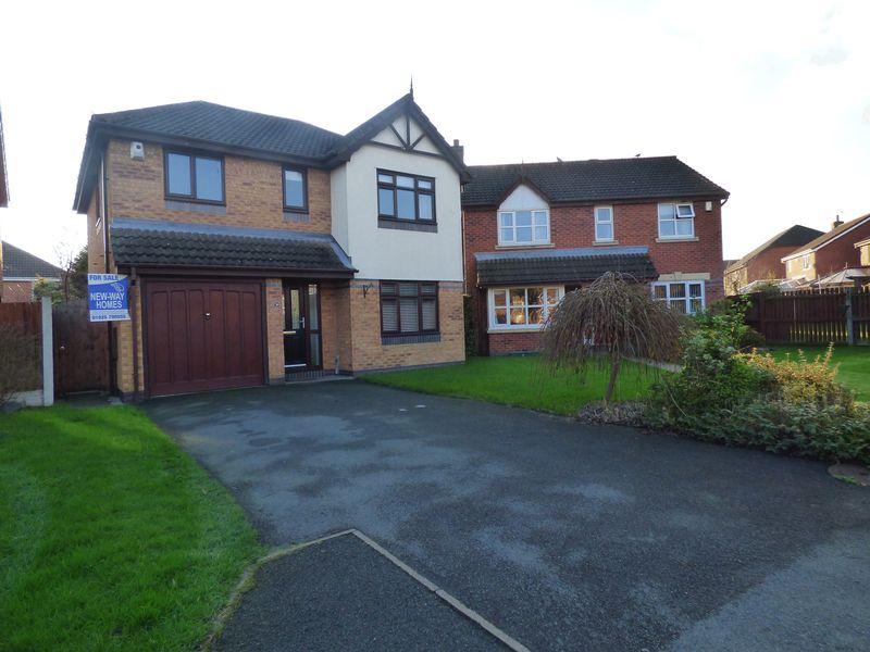 4 Bedrooms Detached House for sale in Newlyn Gardens, Penketh, Warrington