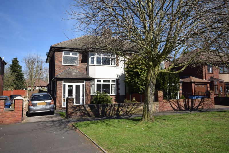 3 Bedrooms Semi Detached House for sale in Leigh Avenue, Widnes