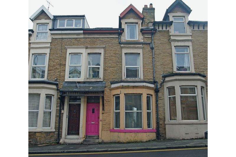 6 Bedrooms Terraced House for sale in 211 Euston Grove, Morecambe