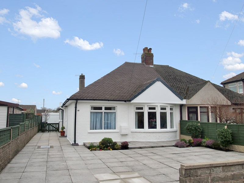 2 Bedrooms Semi Detached Bungalow for sale in Hest Bank Road, Morecambe