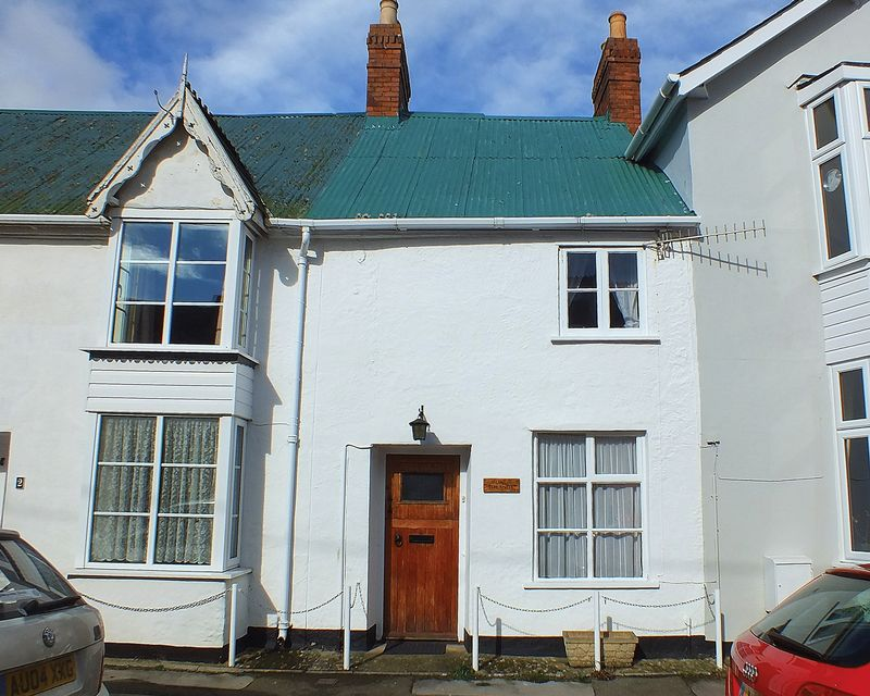 3 Bedrooms Terraced House for sale in The Street, Charmouth