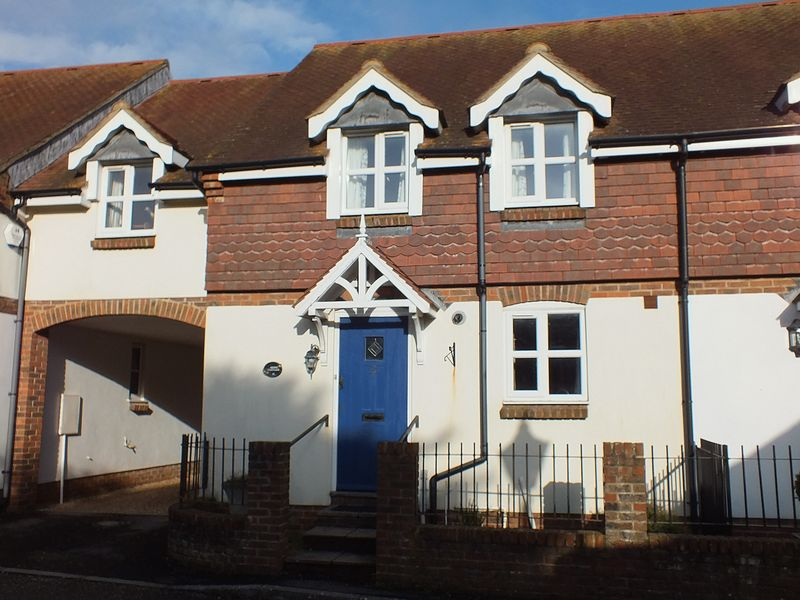 3 Bedrooms Terraced House for sale in 2 Barneys Close, Charmouth DT6 6SE