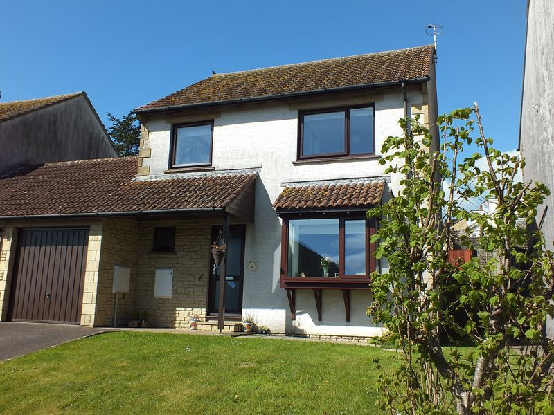 3 Bedrooms Detached House for sale in 4 Kidmore Close Charmouth