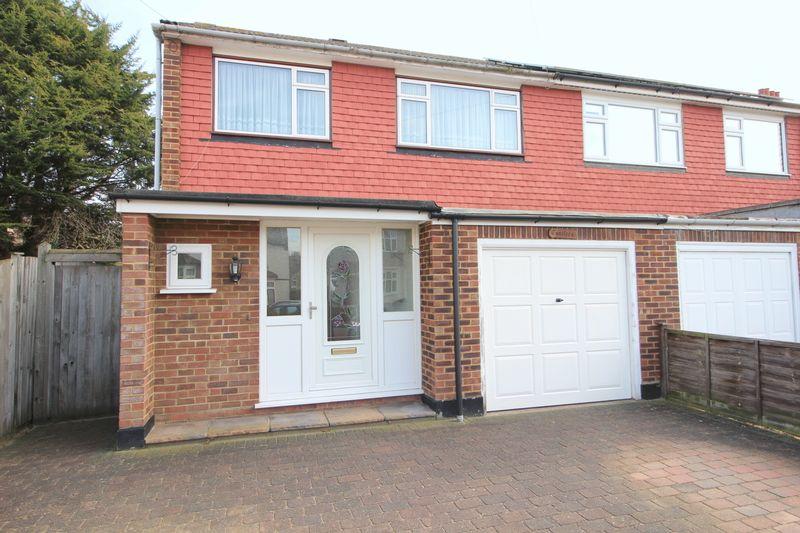 3 Bedrooms Semi Detached House for sale in Woodside Crescent, Sidcup, DA15 7JJ