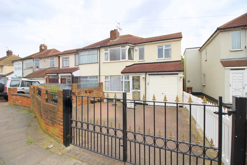 4 Bedrooms Semi Detached House for sale in Radnor Avenue, Welling