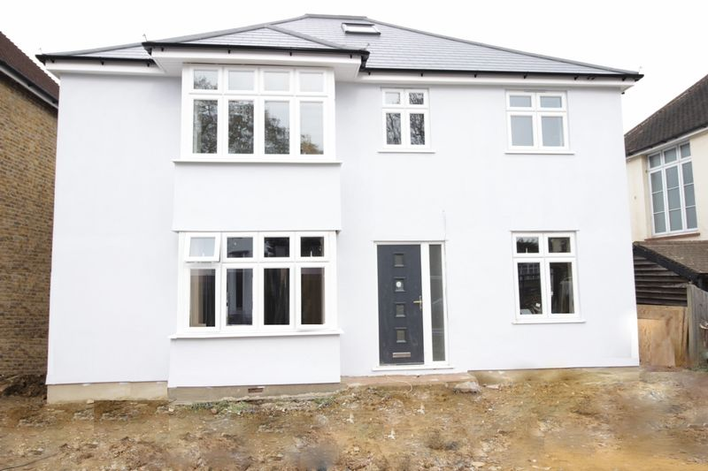 5 Bedrooms Detached House for sale in Footscray Road, London
