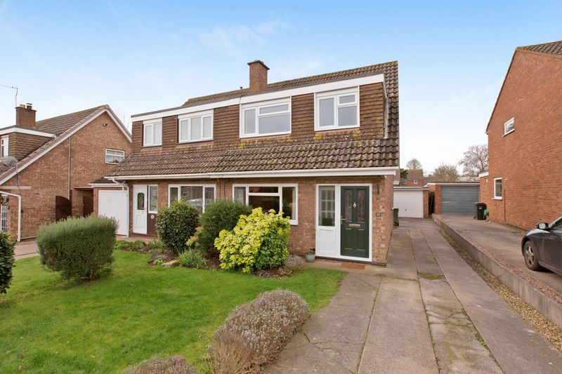 3 Bedrooms Semi Detached House for sale in Conway Road, Cannington