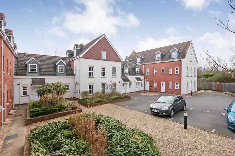 2 Bedrooms Flat for sale in Friary Wall, Friarn Street, Bridgwater