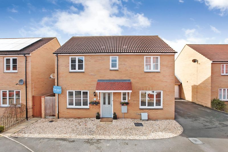 4 Bedrooms Detached House for sale in Orkney Close, Stockmoor, Bridgwater