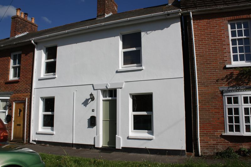 3 Bedrooms House for sale in Winkton, Christchurch