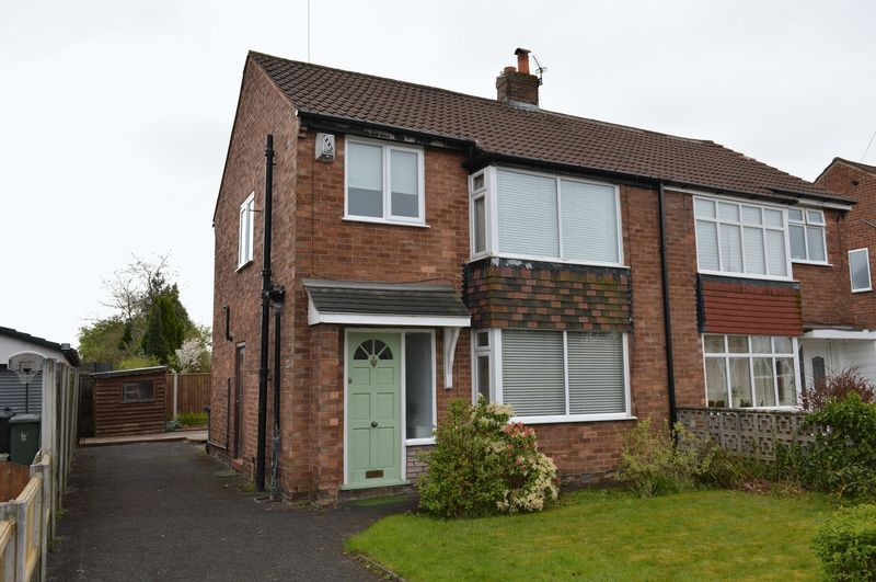3 Bedrooms Semi Detached House for sale in Norwich Avenue, Lowton