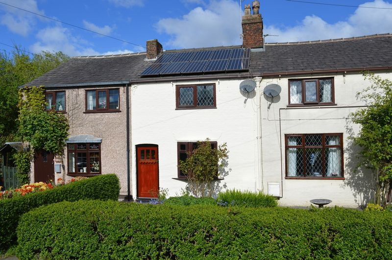 2 Bedrooms Terraced House for sale in Newton Road, Lowton, WA3 1DG