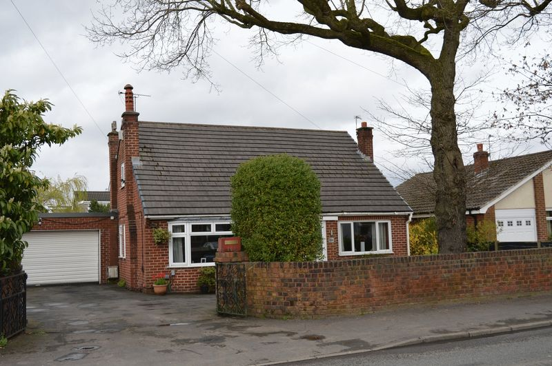 3 Bedrooms Detached House for sale in Slag Lane, Lowton, WA3 2EZ