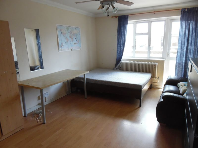 Large Double Room - Whitechapel, E1