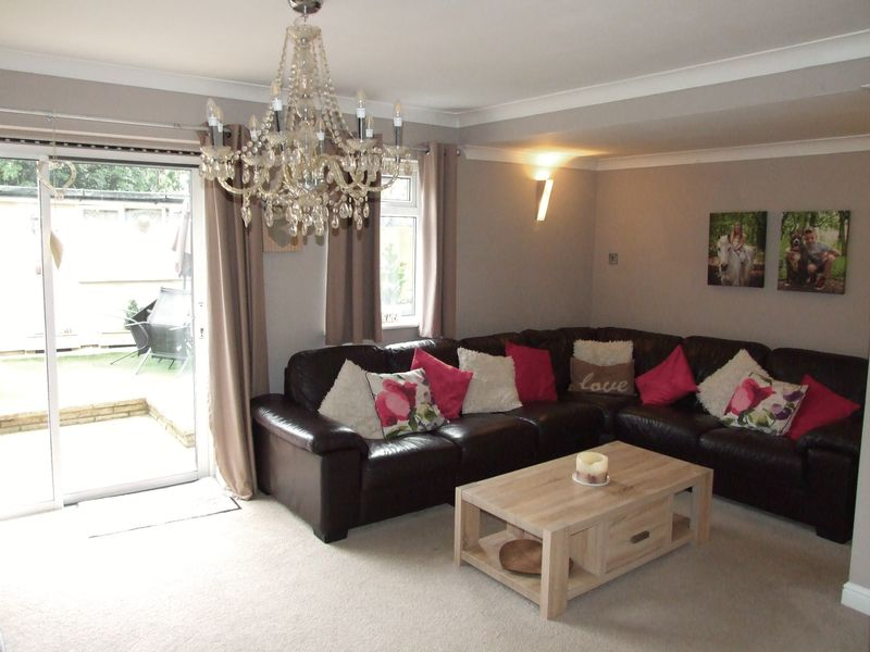 3 Bedrooms Terraced House for sale in Taylifers, Harlow, Essex