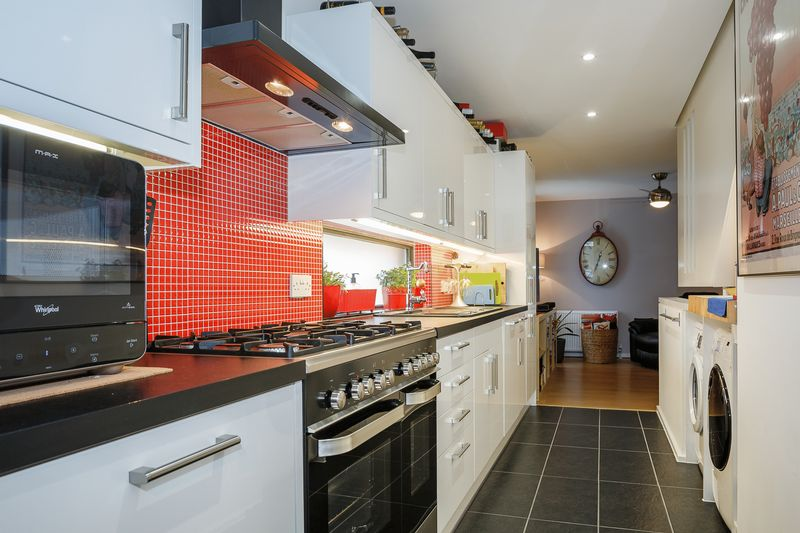 4 Bedrooms Detached House for sale in Honor Street, Newhall, Harlow, Essex
