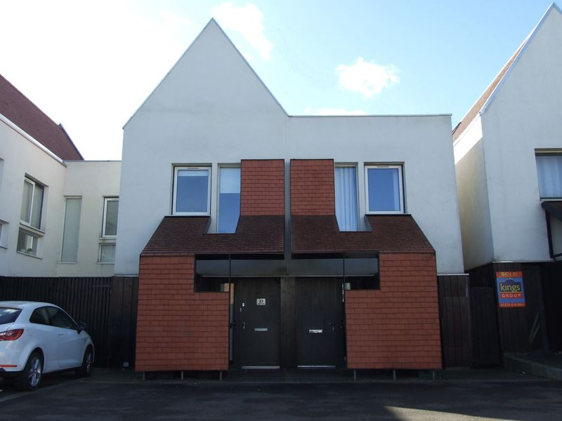 2 Bedrooms Terraced House for sale in Brickcroft Hoppit, Newhall, Harlow
