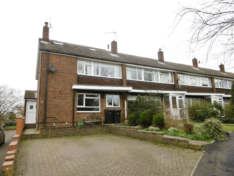4 Bedrooms Terraced House for sale in Elmbridge, Old Harlow