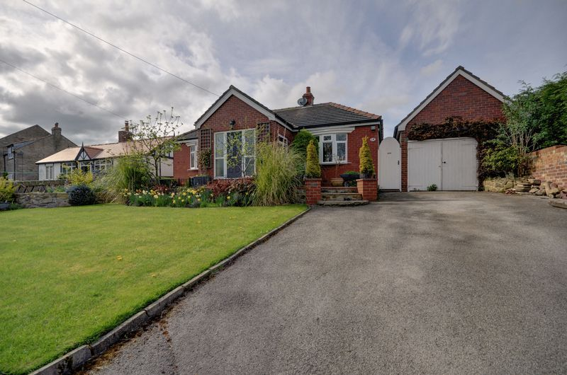 2 Bedrooms Detached Bungalow for sale in Main Road, Aislaby