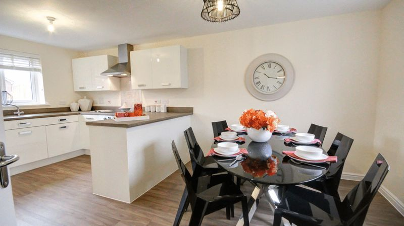 3 Bedrooms Detached House for sale in Hill Barton Road, Exeter