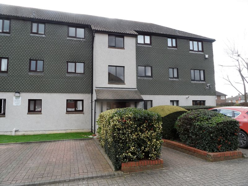 1 Bedroom Flat for sale in Franklyns, Teviot Avenue, Aveley