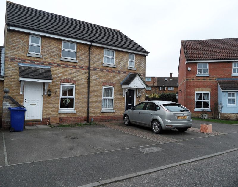 2 Bedrooms Terraced House for sale in Fyfield Drive, South Ockendon