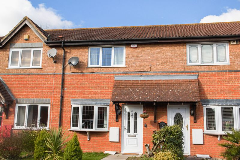2 Bedrooms Terraced House for sale in Redwood Chase, South Ockendon