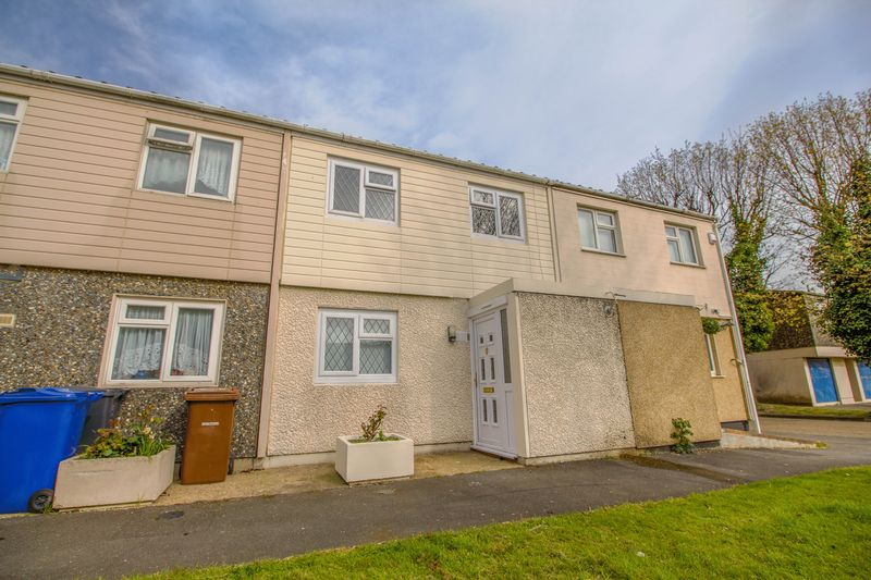 3 Bedrooms Terraced House for sale in Rosemary Close, South Ockendon