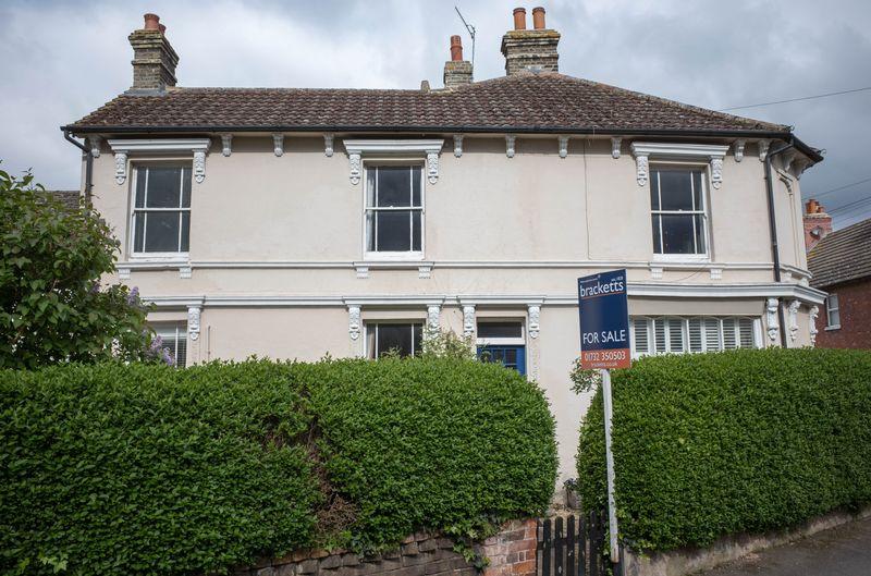 2 Bedrooms Terraced House for sale in Houselands Road, Tonbridge