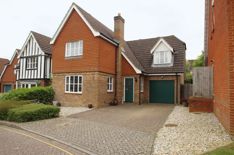 4 Bedrooms Detached House for sale in Quarry Bank, Tonbridge