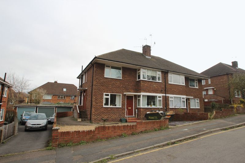 2 Bedrooms Flat for sale in Tonbridge