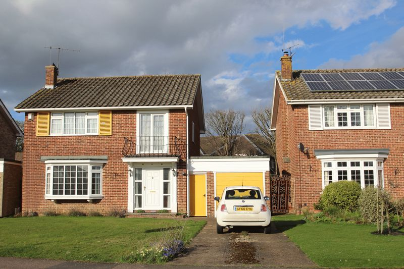 4 Bedrooms Detached House for sale in Stacey Road, Tonbridge