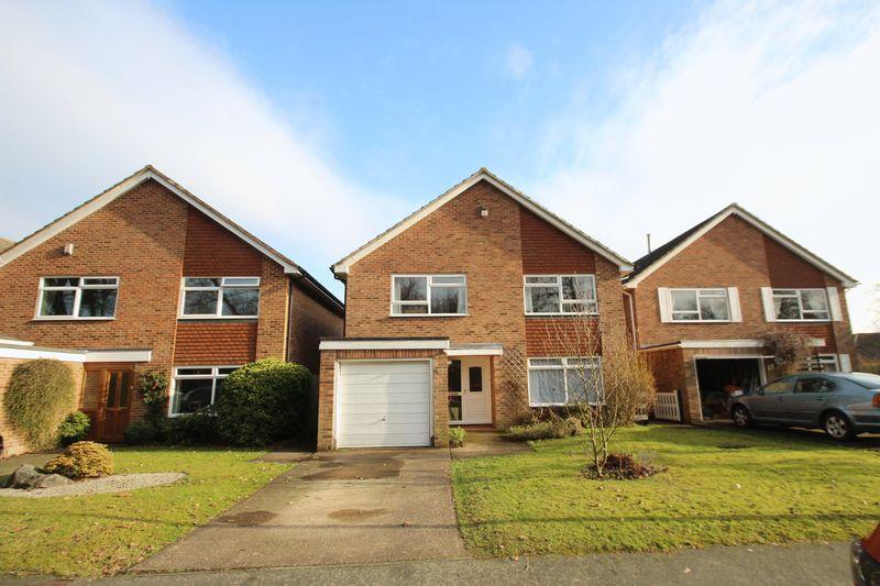 4 Bedrooms Detached House for sale in Rowan Shaw, Tonbridge