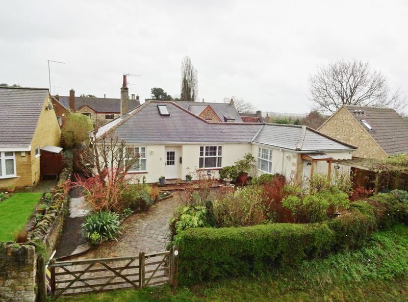 3 Bedrooms Detached Bungalow for sale in DETACHED BUNGALOW WITH SELF CONTAINED ANNEXE - Corby Road, Stanion
