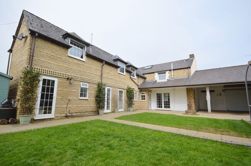 4 Bedrooms Semi Detached House for sale in Tunwell Lane, Old Village, Corby