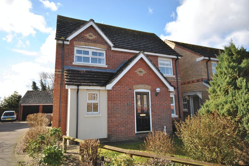 3 Bedrooms Detached House for sale in Thorpe Marriott, Norwich