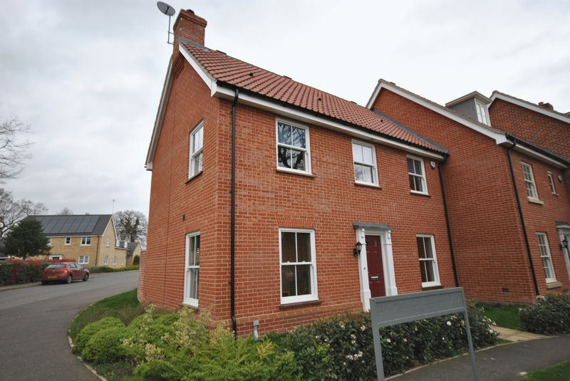 3 Bedrooms Terraced House for sale in Kevill Davis Drive, Norwich