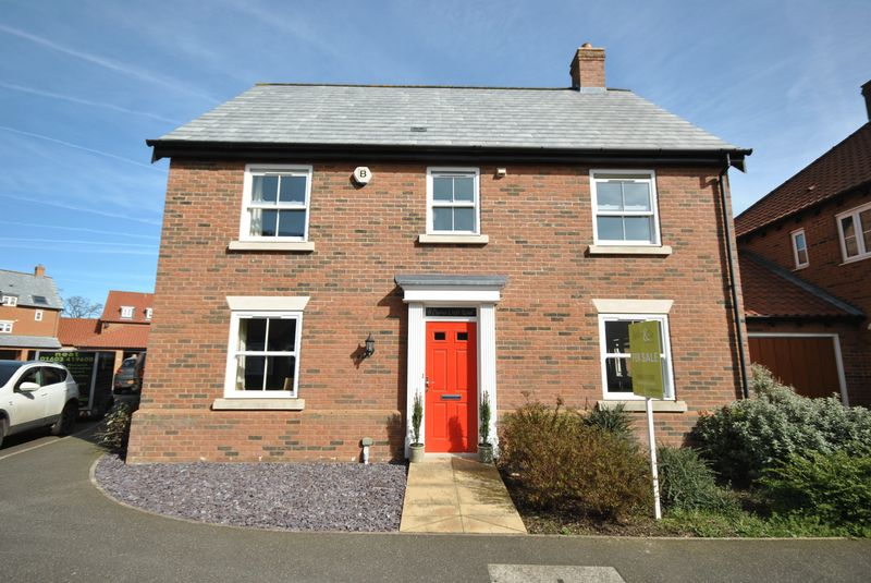 4 Bedrooms Detached House for sale in Cranes Croft Road, Sprowston, Norwich