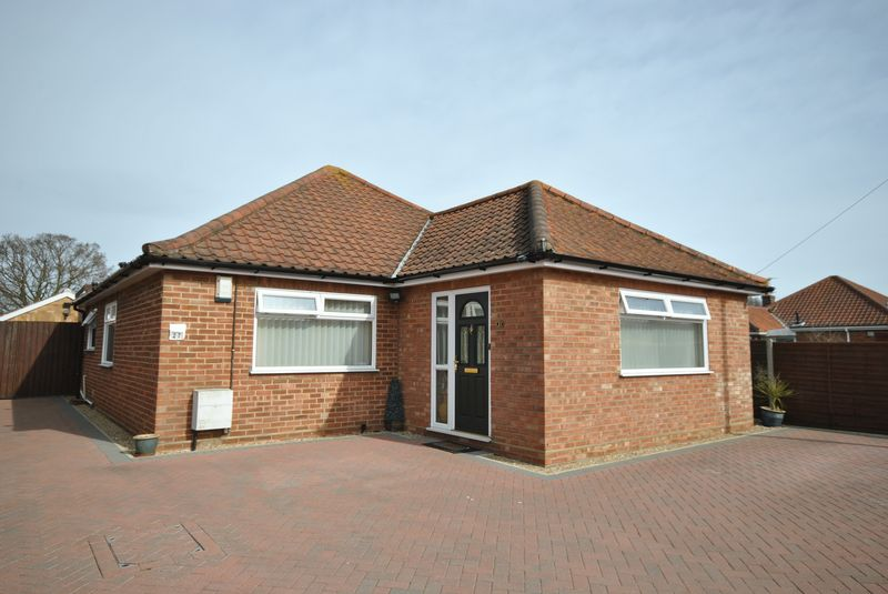 2 Bedrooms Detached Bungalow for sale in Laundry Lane, Thorpe St Andrew, Norwich