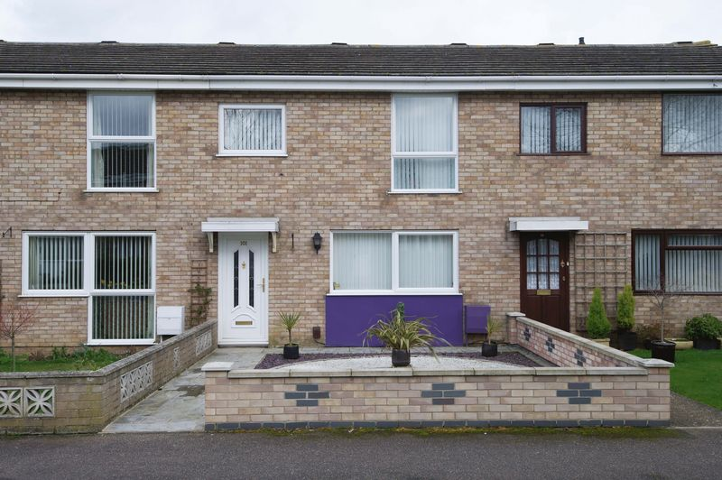 3 Bedrooms Terraced House for sale in Sandfields Road, St. Neots