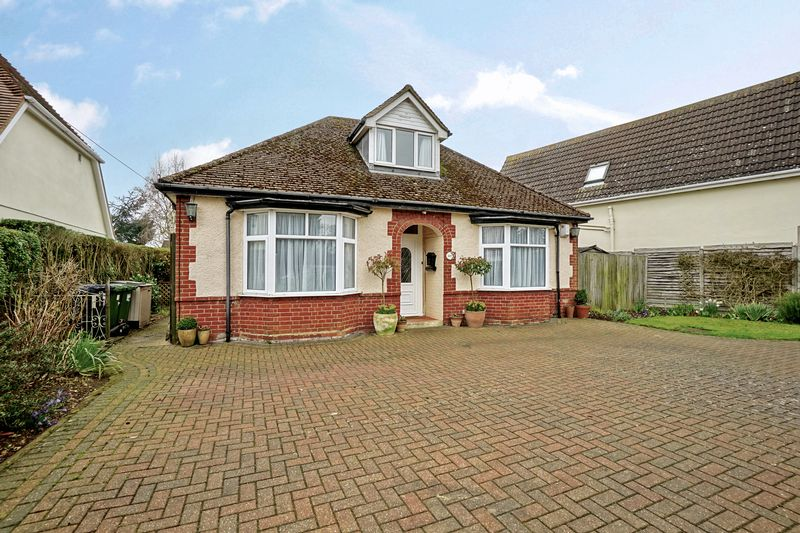 3 Bedrooms Detached Bungalow for sale in Eaton Ford, St. Neots