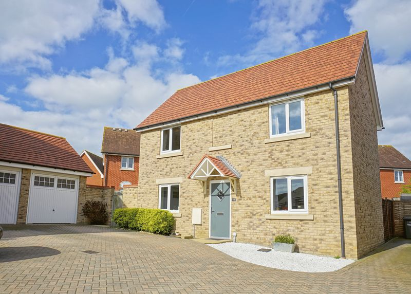 3 Bedrooms Detached House for sale in Loves Farm, St. Neots