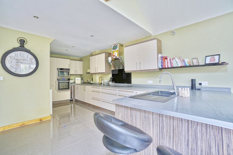 4 Bedrooms Semi Detached House for sale in Kimbolton, Huntingdon