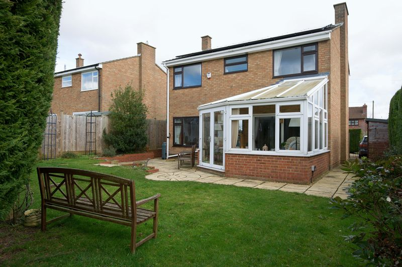 4 Bedrooms Detached House for sale in Little Staughton, Bedford