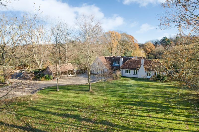 6 Bedrooms Detached House for sale in West Wellow
