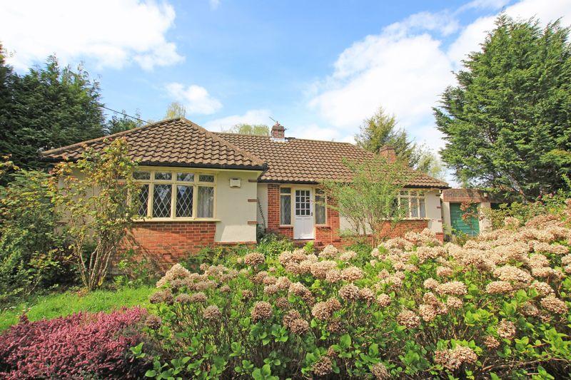 2 Bedrooms Detached Bungalow for sale in Landford