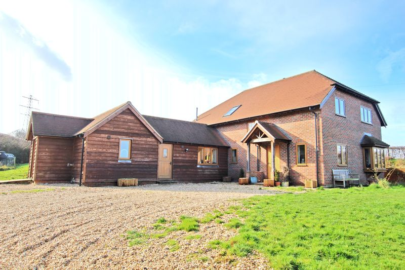 4 Bedrooms Detached House for sale in Lockerley