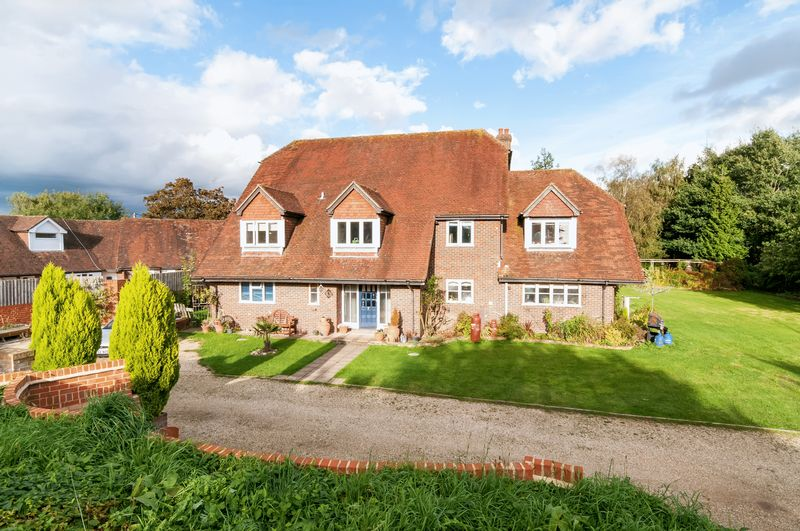 6 Bedrooms Detached House for sale in Braishfield