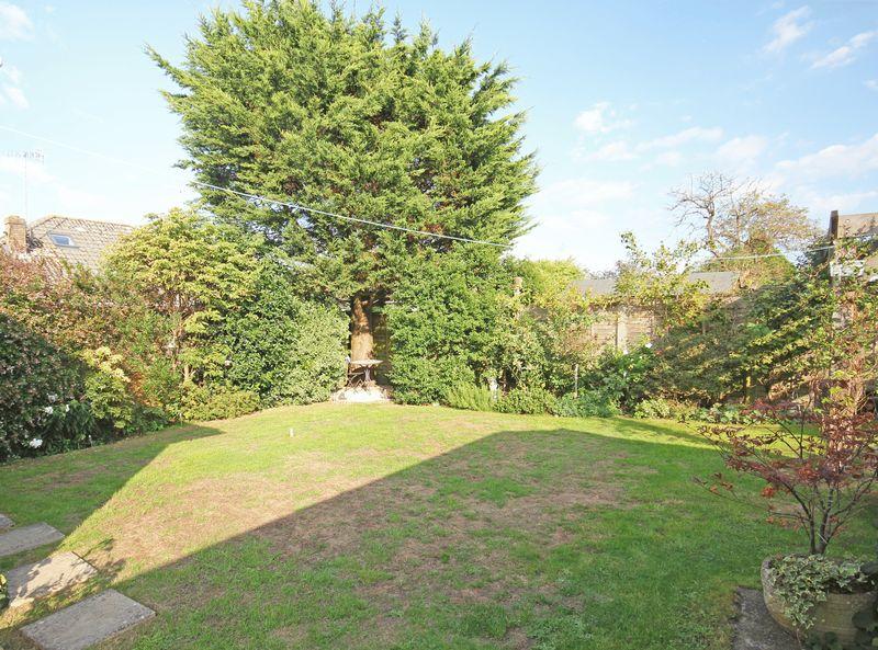 Moot Gardens Downton